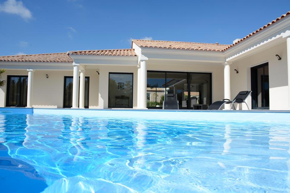 maison avec piscine attenante