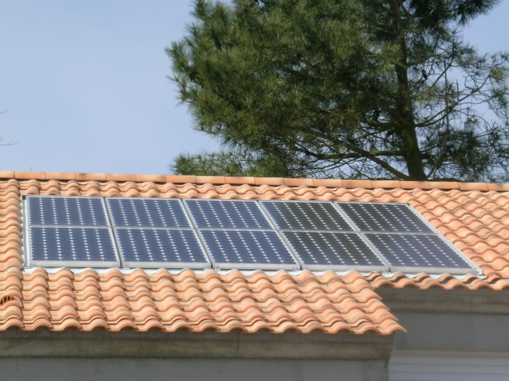 rénovation énergétique par pose de panneaux solaires photovoltaiques