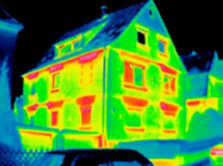 Photographie en infrarouge d'une maison passive en Vendée